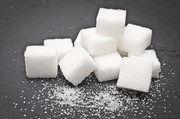 Lebensmittelkonzerne fahren derzeit verschiedene Strategien, um den Zuckeranteil zu reduzieren.
