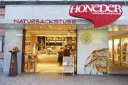 Eines von 12 Fachgeschäften von Hoeders Naturbackstube in Linz , die das Straßenbild der oberösterreichischen Landeshauptstadt prägen.