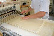 Beim Herstellen des Blätterteigs könnten Metallteile ins Produkt gelangt sein.