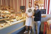 Bettina und Stefan Falland führen die Bäckerei ihrer Eltern weiter, auch mit einem breiten Snackangebot.
