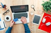 Jeder dritte Deutsche hat laut einer Umfrage Lebensmittel schon mal online eingekauft.