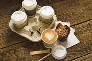 Die Zutaten für eine Kaffeepause zum Wegwerfen.