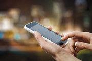 Für die Nutzung des Mobiltelefons während der Arbeit bedarf es klarer Regelungen.