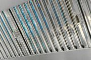 Die Abluftanlagen können mit UV-Strahlern sauber gehalten werden.