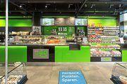 An Tankstellen gibt es meist Shops, in denen Kunden nicht nur Lebensmittel erhalten.