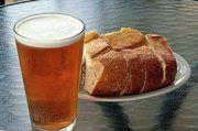Nachhaltiger Genuss: Bier aus Brot.