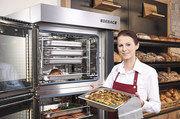 Umluftbacköfen mit Zusatzausstattung ermöglichen das Kochen und Backen in einem Gerät.