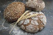 Die bessere Wasserbindung sorgt bei kräftig gebackenen Broten für saftige Krumen.