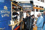 Die im Ausschankwagen von Meister Kaffee angebotenen Spezialitäten ließen viele Stadtfestbesucher schwach werden.