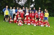 Abwechslungsreiches Ferienprogramm: Die Bäckerinnung Hameln organisierte ein Fußballcamp mit ehemaligen Bundesligaspielern.
