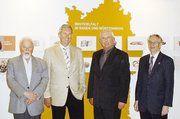 Dr. Hermann Eiselen, Mitbegründer des Museums (von links) und die neuen Vorstände des Fördervereins Albert Eurskens, Wilfried Rudolph und Ernst Welter.