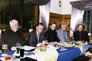 Auf der Jahreshauptversammlung des Gesangvereins der Bäckerinnung Kassel (von links): Kassierer Günter Markus, Christoph Riede, 2. Vorsitzender und Obermeister, Ursula Hamenstädt, 1. Vorsitzende, Werner Haub und Reinhard Pfannmüller (2. und 1. Schrif
