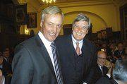 Die frisch gebackenen Duz-Brüder Peter Becker und Ole von Beust.