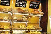 Trotz des breiten Sortiments stellt die Bäckerei alle Brote und Brötchen traditionell nach eigenen Rezepten her.