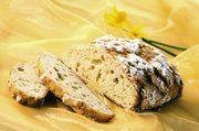 Die Osterkruste erhält durch den gießfertigen Weizenvorteig ein mildes, weizentypisches Aroma.