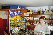 Das Bistro-Café wird von den Kunden gut angenommen, ebenso die Frisch-Pralinen in handwerklicher Qualität.