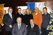 Der neu gewählte Vorstand der Bäckerinnung Saarlouis/Merzig mit GF Wohlschlegel, links Präsident der HWK des Saarlandes, Bäckermeister Hans-Alois Kirf.