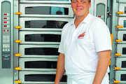Bäckermeister Jürgen Betz erneuerte sämtliches Inventar, auch seine Öfen.