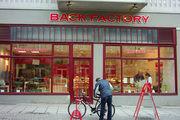 Back-Factory ist mit insgesamt 110 Filialen am Markt aktiv.