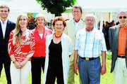 Hinter dem Ladenbau-Unternehmen Schweitzer stehen (von links) Heinz Radlinger, Susi Neumüller, Ursula Neumüller, Inge Schweitzer, Mag. Franz Gerhard Neumüller, Stephan Schweitzer, Walter Schweitzer.
