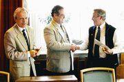 Auf der Versammlung der Innung Heidenheim ist Rolf Geiger (rechts) mit der Goldenen Ehrennadel des LIV Württemberg ausgezeichnet worden. Links Verbandsgeschäftsführer Andreas Kofler und OM Jürgen Haack.