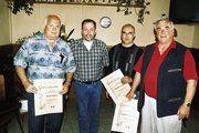 Auf der Versammlung: Dietmar Mai (2. von links) ehrte für 25-jährige Mitgliedschaft Rolf Haas, Frank Scheydt und Adolf Schäfer.