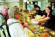 Von Krise ist an der Bäckertheke noch nicht viel zu spüren. Vor allem das Geschäft rund um das Kaffee- und Snackangebot läuft in vielen Betrieben mehr als zufrieden stellend.