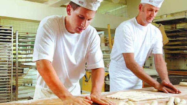 Die Arbeitszeiten von Jugendlichen und erwachsenen Arbeitnehmer sind klar geregelt.