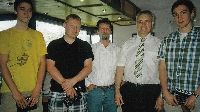 Obermeister Fritz Trefzger (2. von rechts) mit jungen Kollegen, die auf der Lehrlingsbörse aktiv waren.  (Quelle: Grosholz)