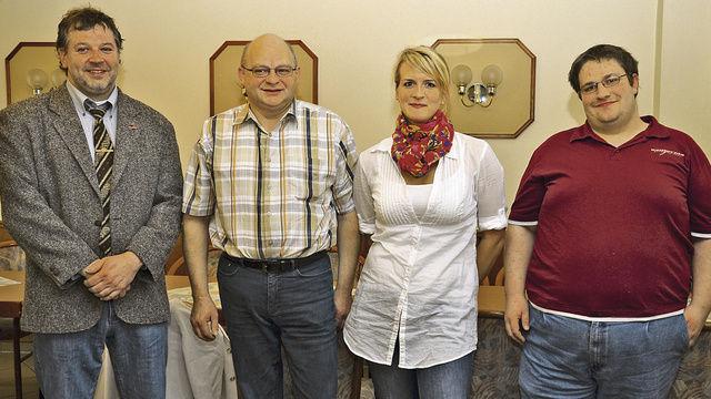 Neu im Vorstand der Innung Fulda (von rechts) Michael Klotzbach und Tina Weber mit stellv. OM Markus Vogel und OM Joachim Michel.  (Quelle: dt-press)