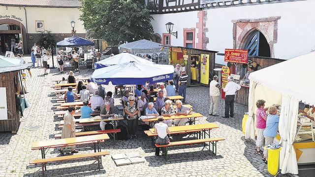 Der Brotmarkt der Bäckerinnung Odenwaldkreis hat zum 15. Mal in Michelstadt stattgefunden und für kulinarische Anregungen gesorgt.  (Quelle: dt-press)