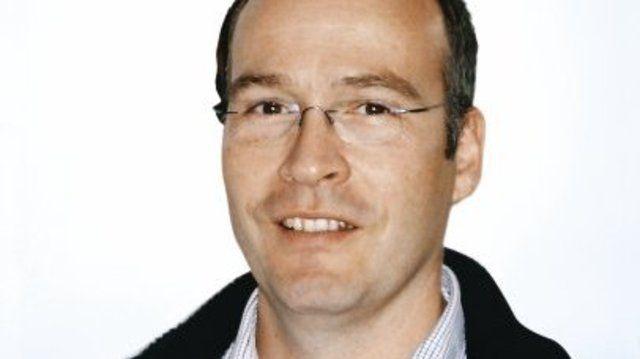 Dr. Georg Böcker.