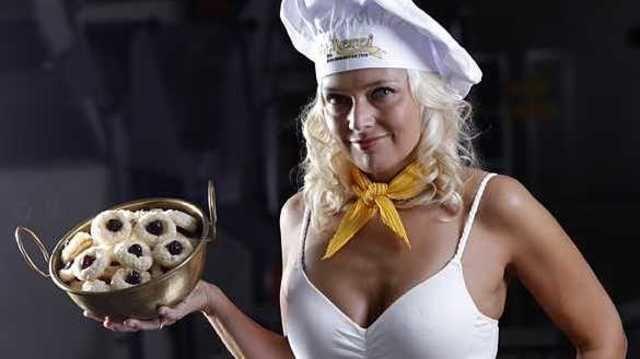 Katrin Walther aus der Bäckerei Walther in Dresden ist eines der attraktiven Models des Handwerks-Kalenders 2011.