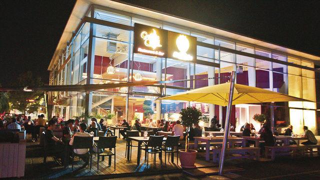 Appetit am Abend: In der Bäckerei Balletshofer lassen es sich immer mehr Menschen auch abends schmecken.  (Quelle: privat)