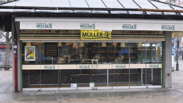 Steht weiter im Regen: Kein Ende der Krise bei Müller-Brot.  (Quelle: Fischer)