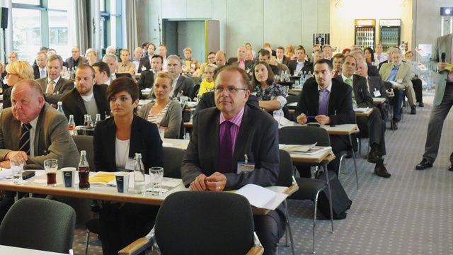Sattes Veranstaltungsprogramm, renommierte Referenten und ein volles Haus: Den Backkongress 2011 nutzen zahlreiche Unternehmer und Führungskräfte aus Handwerk und Handel, um sich rund um den Backmarkt zu informieren.  (Quelle: Wolf)