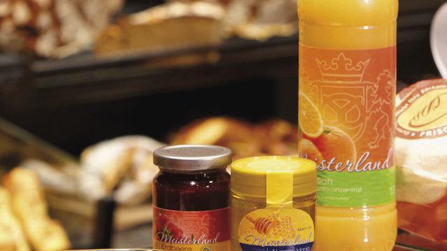 Vom Mitnahmeeffekt profitieren: Meisterland-Produkte ergänzen das Backwaren-Sortiment hervorragend.  (Quelle: Bäko)