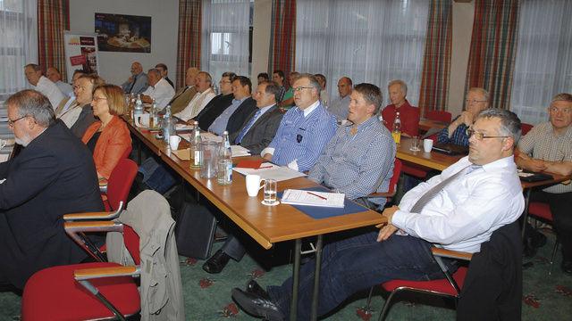 Auf der gut besuchten Versammlung des BIV Südwest in Bad Dürkheim.  (Quelle: dt-press)