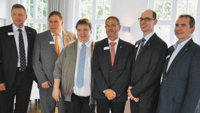 Das Vorstandsteam (von links): Geschäftsführer Klaus Nerjes, Aufsichtsratsvor-sitzender Andreas Klingenberg mit den AR-Mitgliedern Godehard Höveling (neu) sowie Hanspeter Corente, Matthias Zieseniß und Helge Koch.  (Quelle: Pusen)