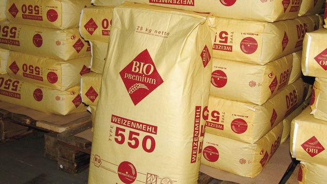 Regional erzeugt in Bio-Qualität: Mehle und -mischungen der Meyermühle.