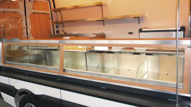 BSK widmet sich verstärkt der Kühlttechnik in der Theke. Weiteres Thema: LED im Verkaufsmobil.