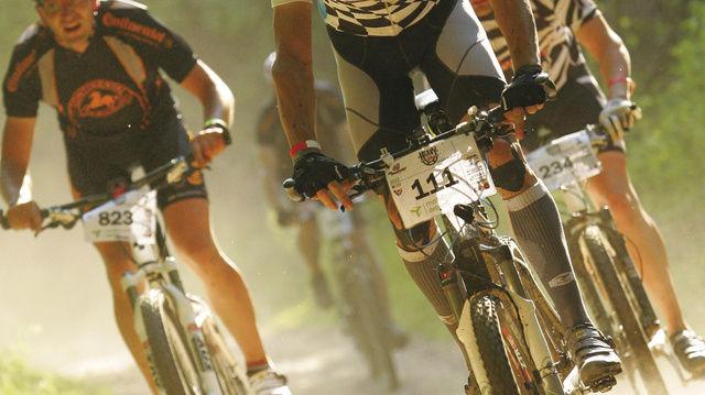 Binnen der 24 Stunden des Rennens legt Daniel Opitz fast 500 Kilometer auf seinem Mountainbike zurück.