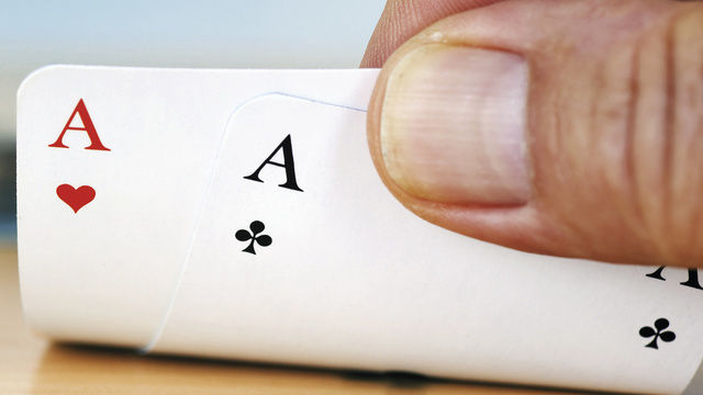 Wer richtig wirbt, hat gute Karten im Spiel mit den Mitbewerbern  (Quelle: Fotolia)