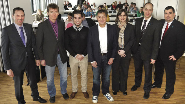 Die Bäko-Geschäftsführer Neal Bauer (von rechts) und Thomas Kuhlmann mit den Referenten Margaux Paulin Steiger, Pierre Nierhaus, Tobias Jordan, Roland Busch und Prokurist Günter Kolb.  (Quelle: Buchmann)