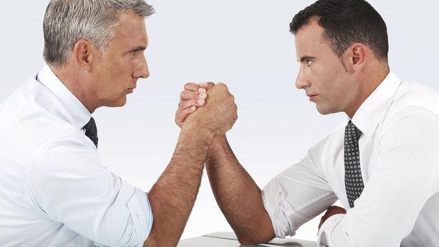Kräftemessen: Bäckerverbände und Gewerkschaften sitzen sich am Verhandlungstisch unversöhnlich gegenüber.  (Quelle: Fotolia)