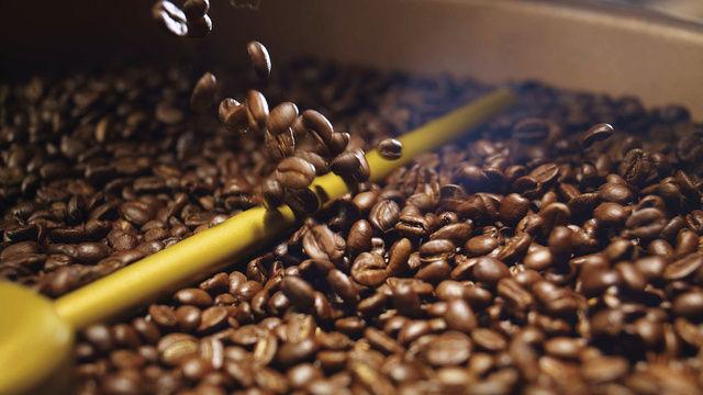 Pro Person konsumieren die Deutschen mehr Kaffee als die Italiener oder die Franzosen.  (Quelle: Tchibo)