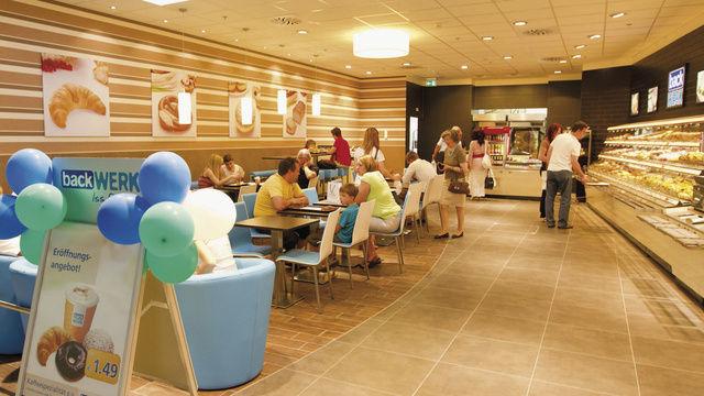 Von der reinen Verkaufsstelle zur Bäcker-Gastronomie: Der Backdiscounter erzielt höhere Umsätze durch den Außer-Haus-Verzehr.  (Quelle: Unternehmen)