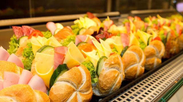 Nicht nur Backwerk weiß, wie sich mit Snacks Geld verdienen lässt. Auch inhabergeführte Backbetriebe gehören zu den umsatzstärksten in Deutschland.