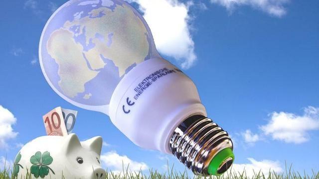 Ein richtiges Management hilft, die Energiekosten in den Griff zu bekommen.  (Quelle: Thorben Wengert/Pixelio.de)