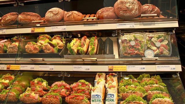 Mit frisch belegten Brot-Snacks will die SB-Bäckerei weiter wachsen.  (Quelle: Unternehmen)